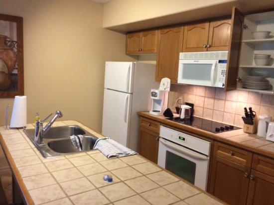 Carriage Hills Resort: Full kitchen