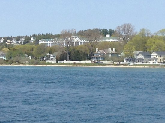 Grand Hotel: The view from the aronald ferry