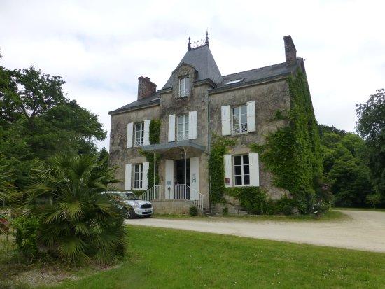 Nivillac, Frankrijk: vue d ensemble du chateau