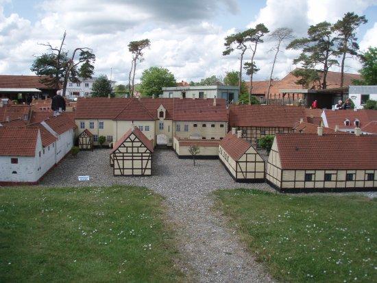 Koege, Denmark: tidl.arrest pt. off. toilet (set fra bagsiden)