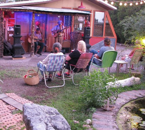 Mountain Valley Lodge & RV Park: Music Night