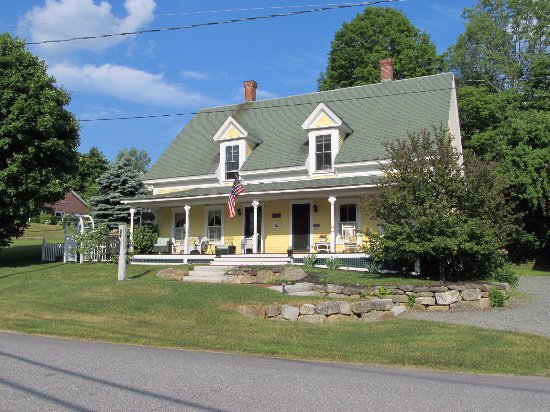 Twin Doors Bed & Breakfast: Twin Doors - June 2016