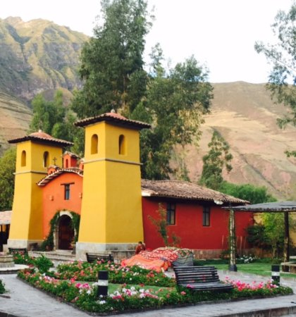 Sonesta Posadas del Inca Sacred Valley Yucay: Colorful church on the grounds of the hotel!