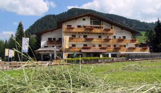Photo of Hotel Arkadia Corvara