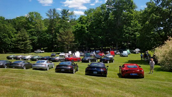 เลกวิลล์, คอนเน็กติกัต: Aston Martin Convention at hotel