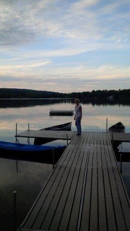 เลกวิลล์, คอนเน็กติกัต: Lake at sunset