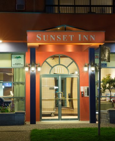 ‪Sunset Inn and Suites‬