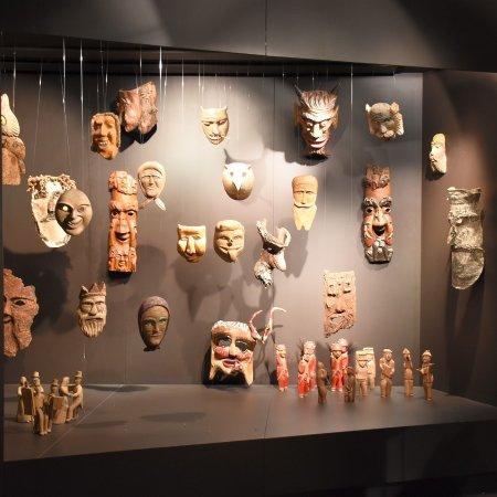 MAV - Museo dell'Artigianato Valdostano di Tradizione: maschere in legno
