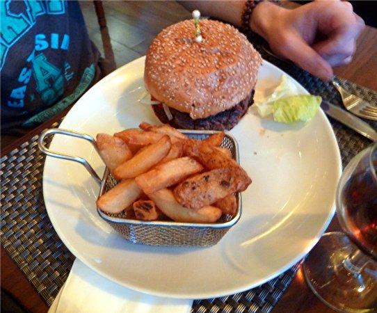 Chez Nous (Papa Nino 2) : Hamburger