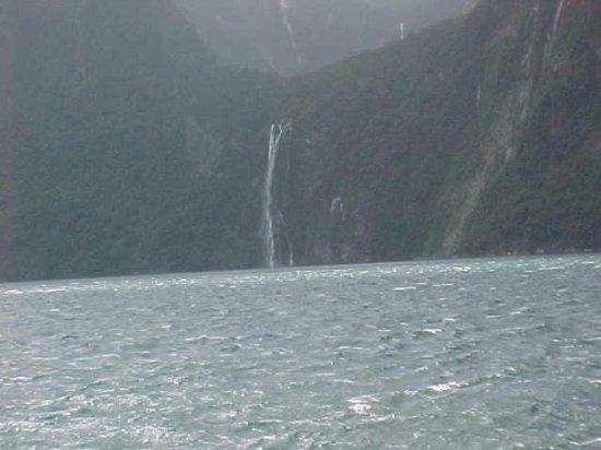 Blue Duck Cafe & Bar: waterfall