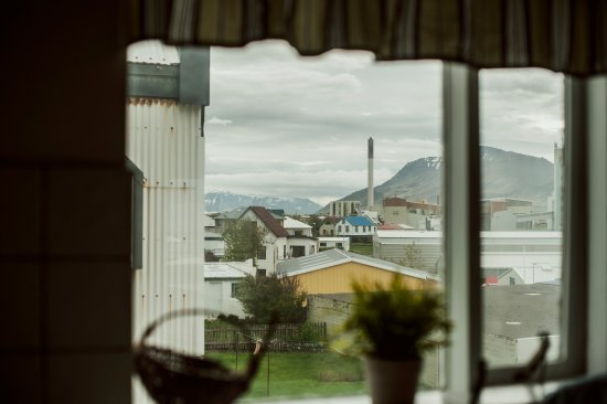 Akranes HI Hostel: View from the kitchen