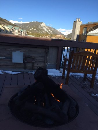 Keystone Lodge & Spa: roof fire pit seating