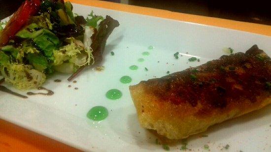 Côté Place, Restaurant Bar Glacier: Croustillant chèvre, miel et pancetta ...