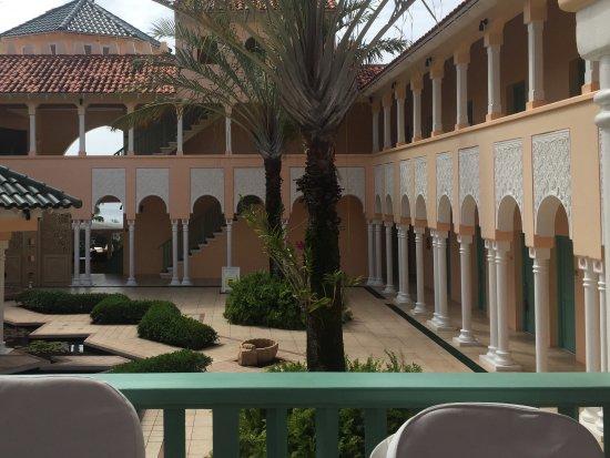 Cap Estate, St. Lucia: Treatment rooms all round the edge - 36 rooms!