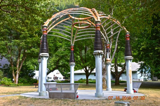 Newhalem Visitor Center: Power Company Art