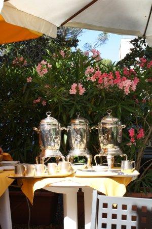 Hotel Ville Bianchi: Tee- und Kaffekannen
