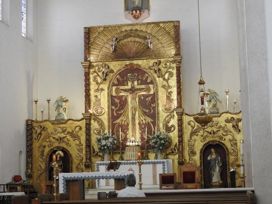 Sacred Heart Parish: Altar