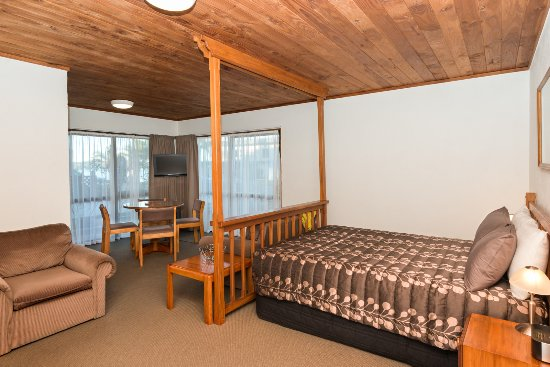 Swiss Chalet Lodge Motel: Family Unit