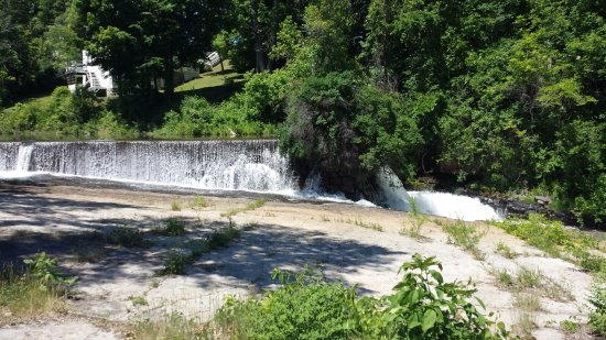 The Falls of Carillon: An old dam