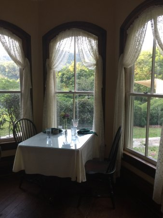 Mountain Magnolia Inn, Suites & Restaurant: photo0.jpg