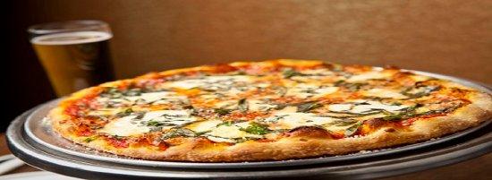 Pie Zano's Pizza & Pasta: Margherita Pizza