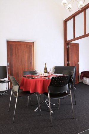 Tamahere, New Zealand: Roomy dining area