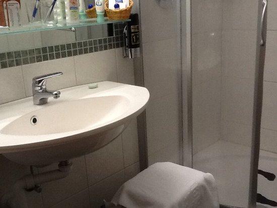 Steinbach Hotel: Bathroom