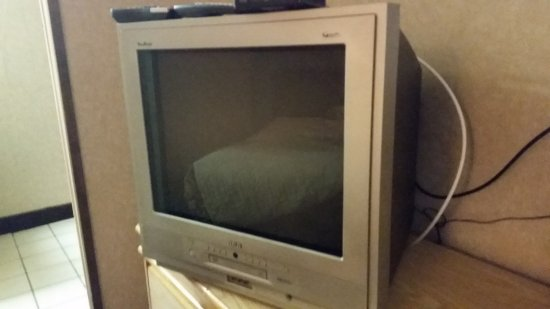 Botkins, OH : Flat Screen TV. I noticed that it has a DVD Player when we were leabing