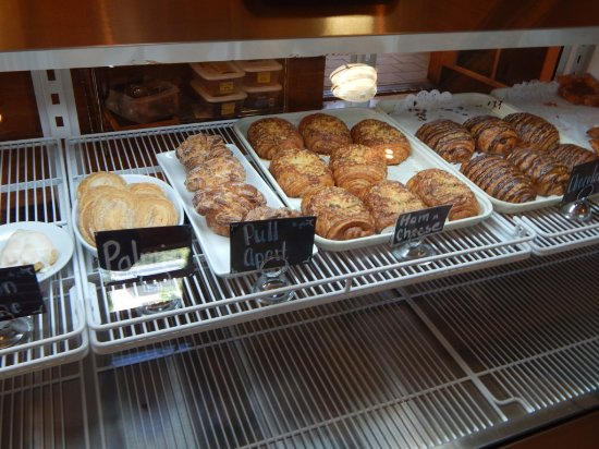 Crumb Brothers Artisan Bakery & Cafe: Yummy Baked Goods