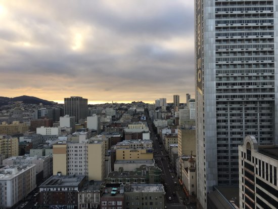 Parc 55 San Francisco, a Hilton Hotel: Afternoon view after checking in (4pm in January)