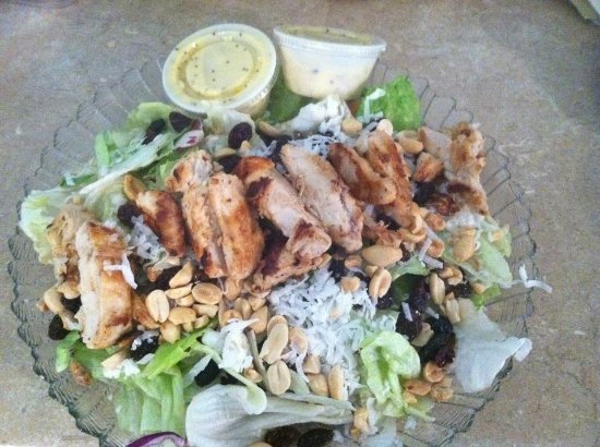 Niles, MI: Grilled chicken salad