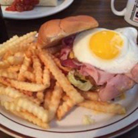 Niles, MI: Rise n shine burger