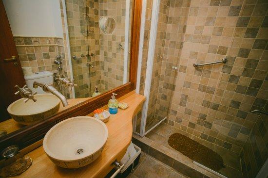 Tierra de Leyendas Boutique Hotel : Standard Bathroom Details