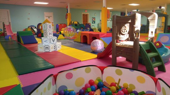 Giggle N Friends Warrenton Indoor Play Yard