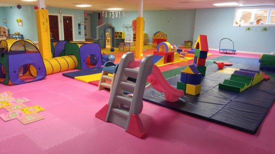 Warrenton, VA: Slides, tunnels and fun galore!