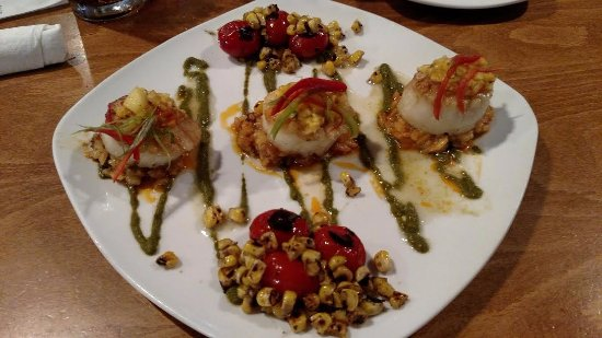 Sweet n Savory Cafe: Scallop special with corn.