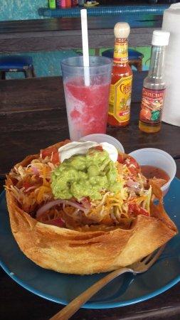 Blue Gecko Cantina: Best rotisserie chicken taco salad!