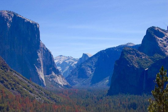 Discover Yosemite : Yosemite Valley from Tunnel View