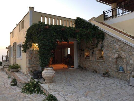 Lithies Studios Apartments: reception - lobby