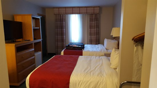 Country Inn & Suites By Carlson, Sparta: Two queen beds room