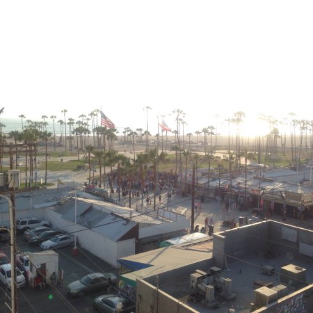 Hotel Erwin: Great view of the boardwalk and beach