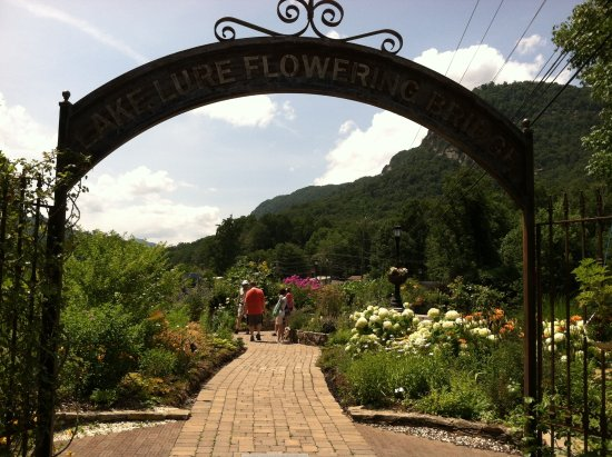 Archway entrance to the Lake Lure Flowering Bridge