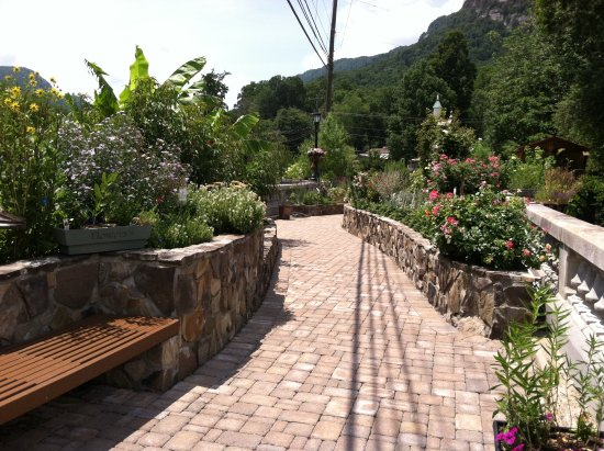 Lake Lure, Северная Каролина: A small part of the walking path