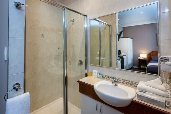 Quality Hotel Bayswater: Bathroom