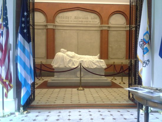 Lee Chapel and Museum: Recumbent statue of General Lee.