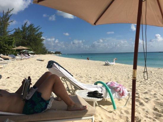 Caribbean Club: Beach view from hotel beach area