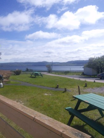 Sea Breeze Cottages and Motel: Ocean view
