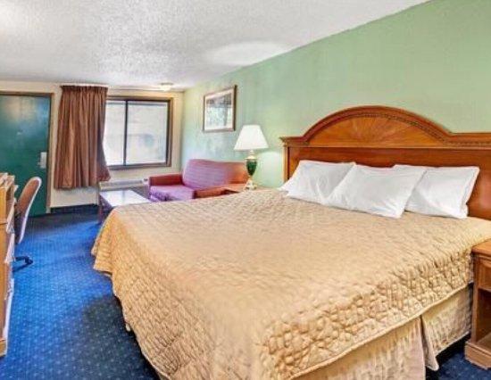 detroit hotels knights sterling heightshhotel information