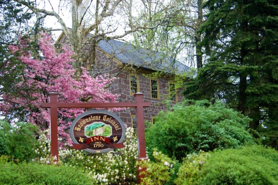 Reinholds, PA: Springtime at the Brownstone