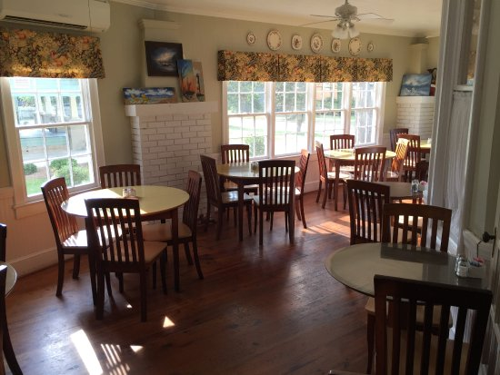 Mullins, SC: during breakfast, and not time for the lunch crowd
